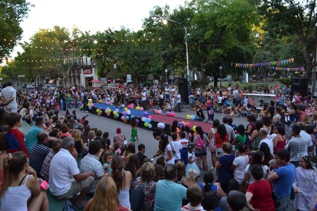 Corsito: Miércoles de desfile intantil