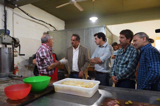 Daniel Scioli visitó Mercedes, se reunió con productores locales y fue recibido por Ustarroz