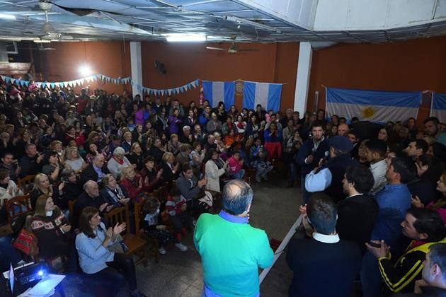Con vecinos y en defensa de los derechos multitudinario encuentro de «Unidad Ciudadana» con miras a las PASO