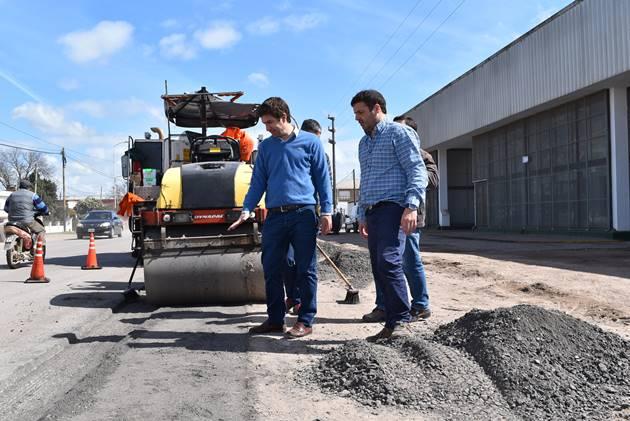 Avenida N°2 avanza y Ustarroz expresó su satisfacción juntos a los trabajadores