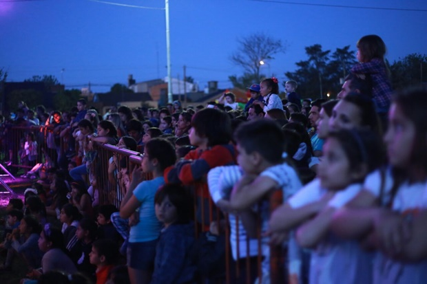 La Trocha fue una fiesta para toda la familia con cientos de vecinos presentes