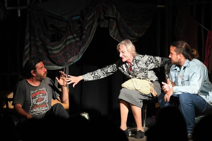 "Vuelve ""La Fila"", obra de la re lanzada Comedia Municipal del Teatro"