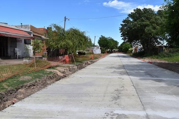 Municipio avanza con el asfalto y mejoras en distintos puntos de la ciudad