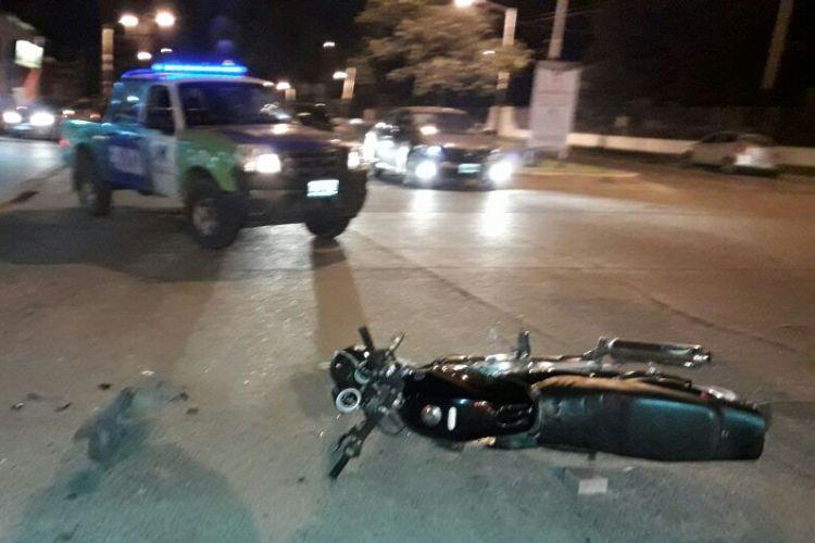 Un remise y una moto chocaron en 2 y 29