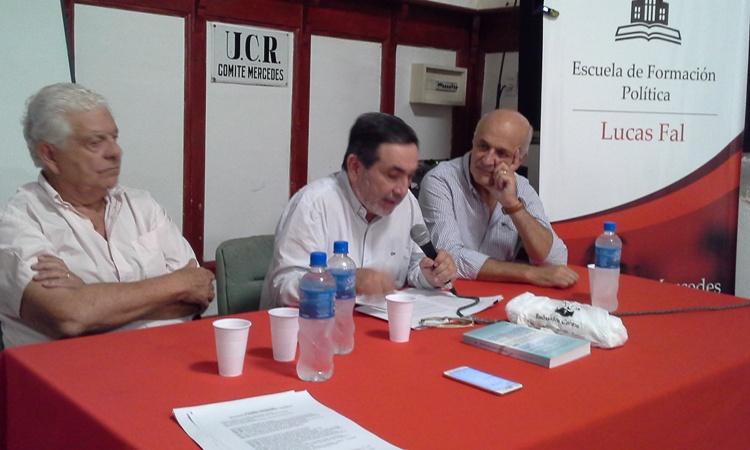 """Oscar Muiño: """"Hay una nueva etapa para los partidos políticos, les cuesta ponerse a tono"""""""