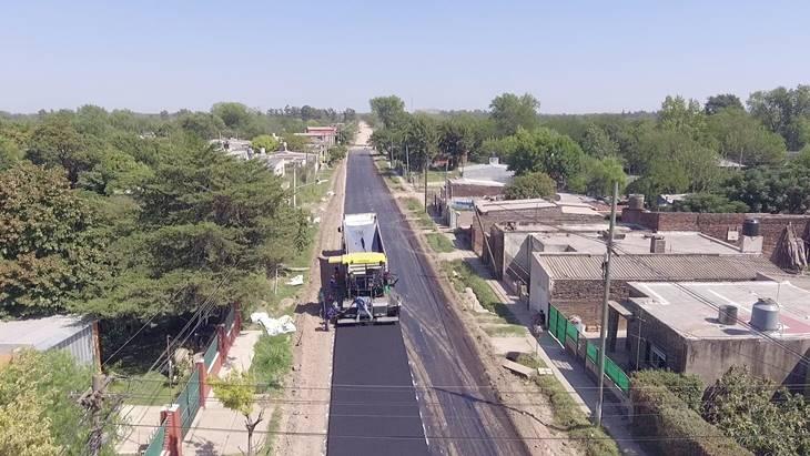 Municipio pavimenta con fondos propios distintas calles de la ciudad