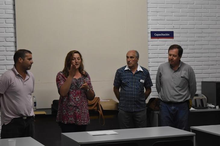 """Finalizó y entregaron certificados en el taller de verano a jóvenes del programa """"más y mejor trabajo"""""""