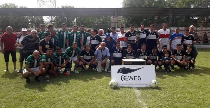 Fútbol, reconocimientos y homenajes entre policías de Mercedes y Mar del Plata
