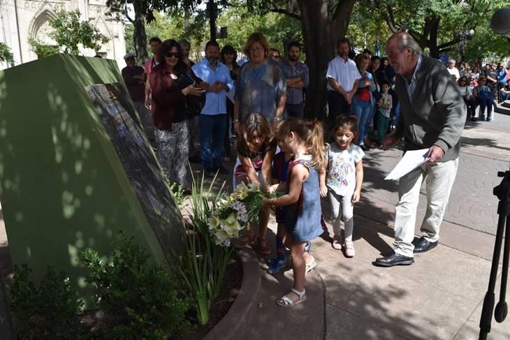Familiares y amigos de las víctimas de la Dictadura realizaron acto homenaje