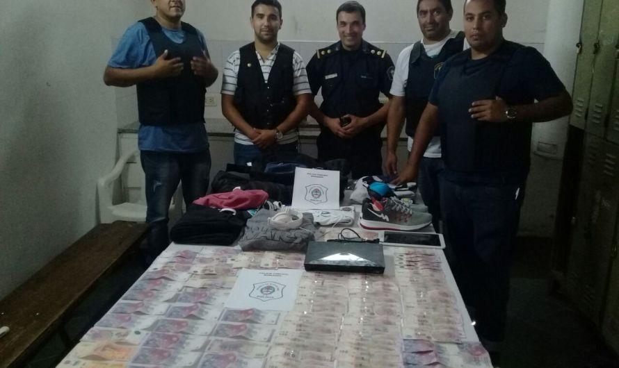 Roban dinero y Policía Comunal detiene a los autores