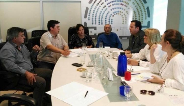 Carlos Selva parte de la reunión con trabajadores de SENASA