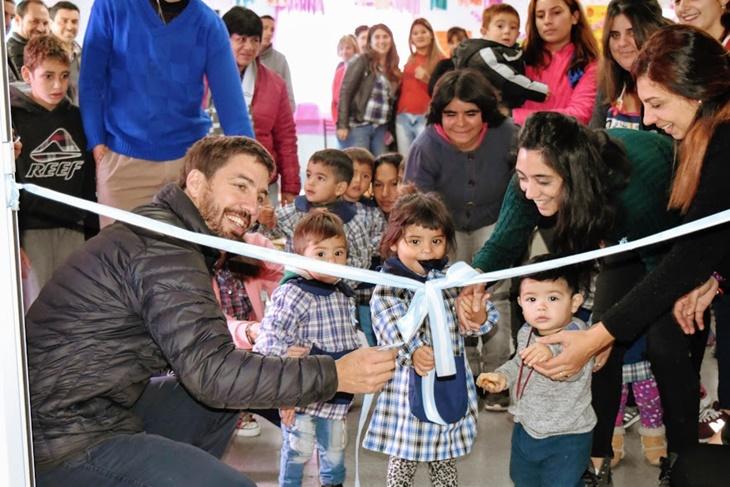 Ustarroz junto a los niños inauguró ampliación de edificio y salita del Jardín EPI San Martín