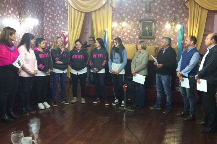 HCD reconoció al Club de Leones y a estudiantes de la EET N° 2