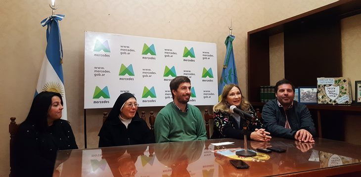 Ustarroz entregó subsidio para obras a Hogar Divina Providencia