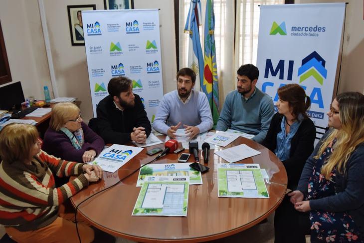 Ustarroz presentó el programa de vivienda «Mi Casa» para trabajadores municipales