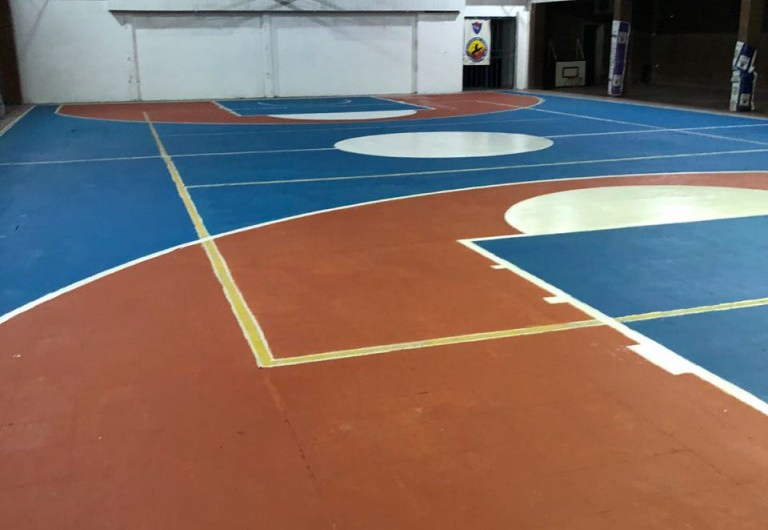 Estudiantes organizó un torneo comercial de básquet