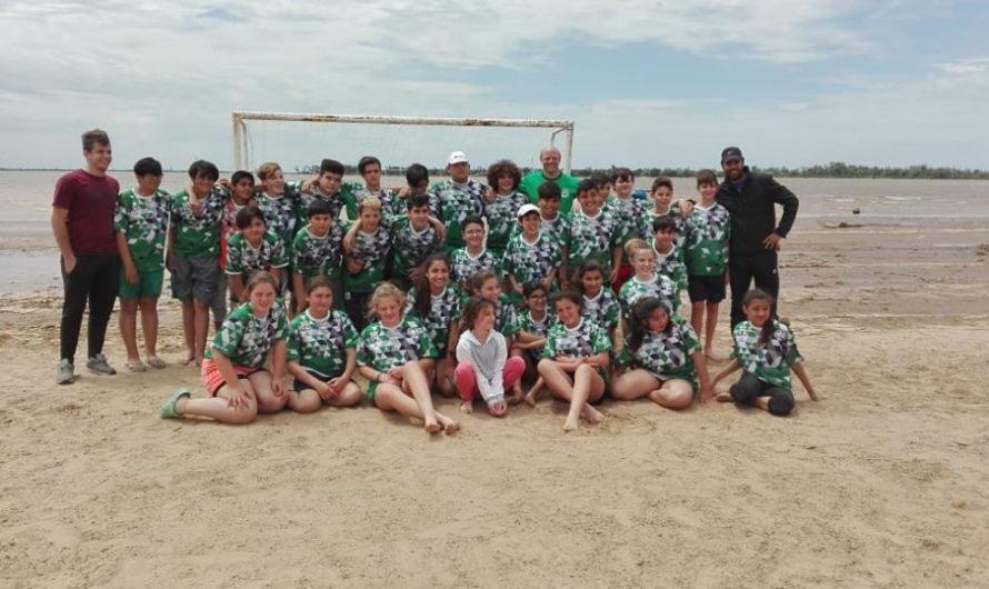 Mercedinos participaron de un torneo de Beach Handball en Ramallo