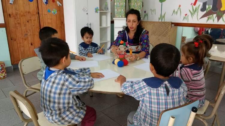 Más cuidados y profesionales para los Jardines Espacio Primera Infancia
