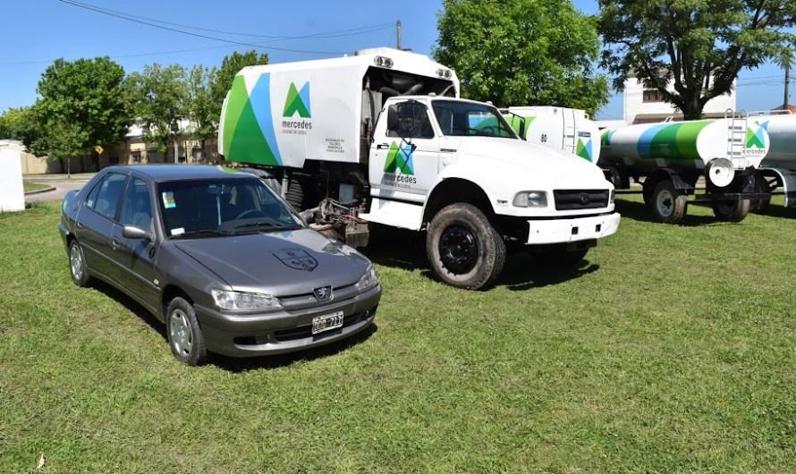 Tres nuevas regadoras y recuperación de otras siete, además de un auto y un camión barredor en talleres municipales