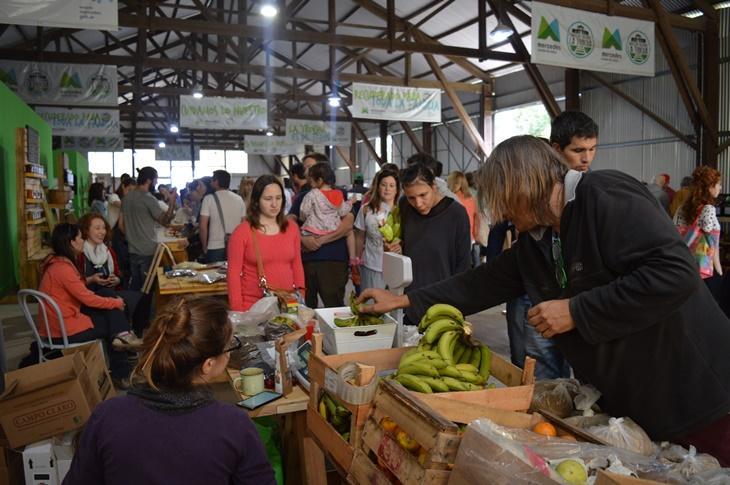 Abrió con destacada asistencia el Mercado Sustentable en La Trocha