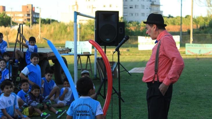 Ustarroz anunció nuevas obras para Club Defensores