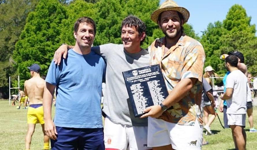 Ustarroz entregó reconocimiento al Mercedes Rugby Club tras logra ascenso