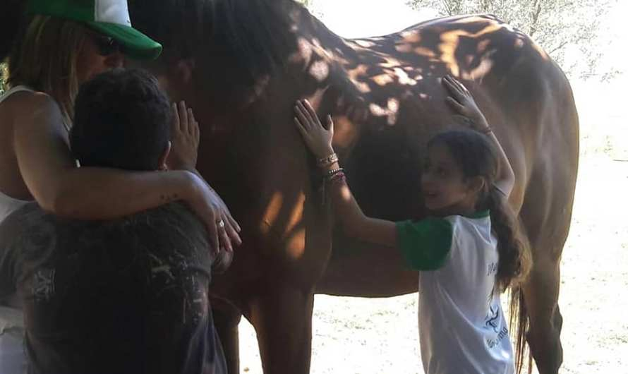 Hípico María Silvina realizó una jornada para niños del Lowe y Unzué