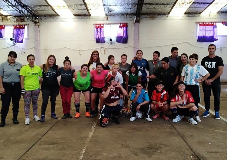 El Anexo Femenino festejó jugando al futbol
