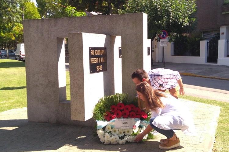 Radicales recordaron a Alfonsín a diez años de su fallecimiento