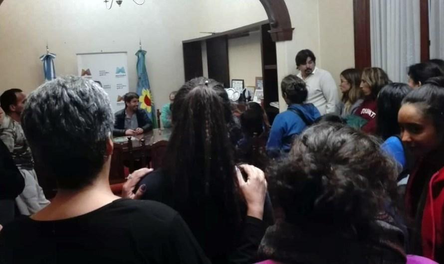 Ustarroz recibió padres y alumnos de Agrotécnica y municipio les proporcionará transporte
