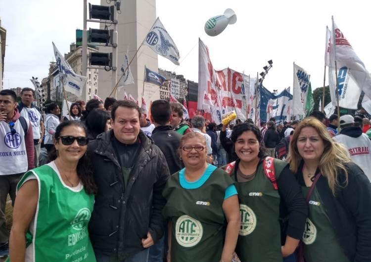 Estatales mercedinos en el acto de Plaza de Mayo
