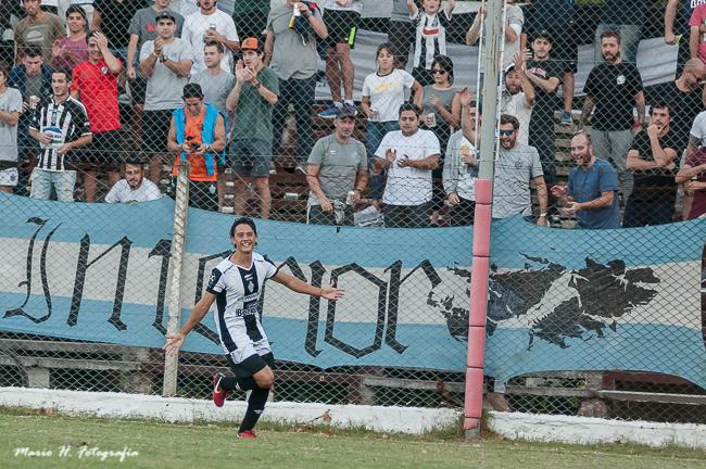 Club Mercedes no pudo ante la efectividad de Independiente de Chivilcoy (Galería de Fotos)