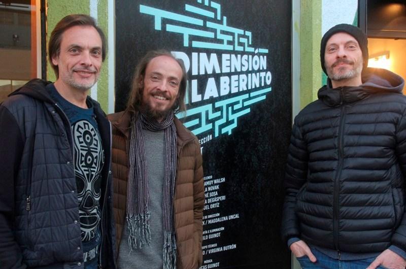 Juan Guinot continúa presentando la obra «Dimensión Laberinto»