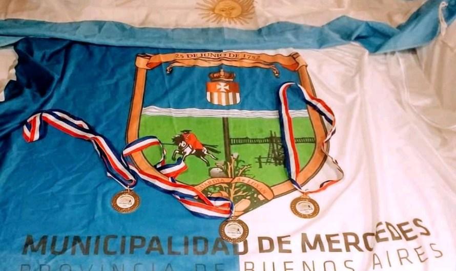 Roban medallas a la atleta Débora Martinelli