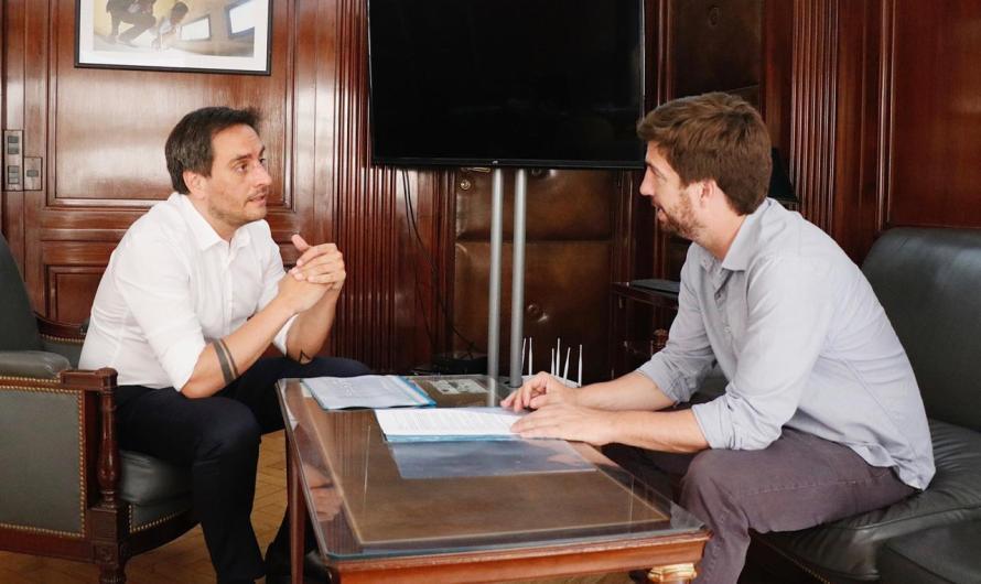 Ustarroz se reunió con ministro de ambiente