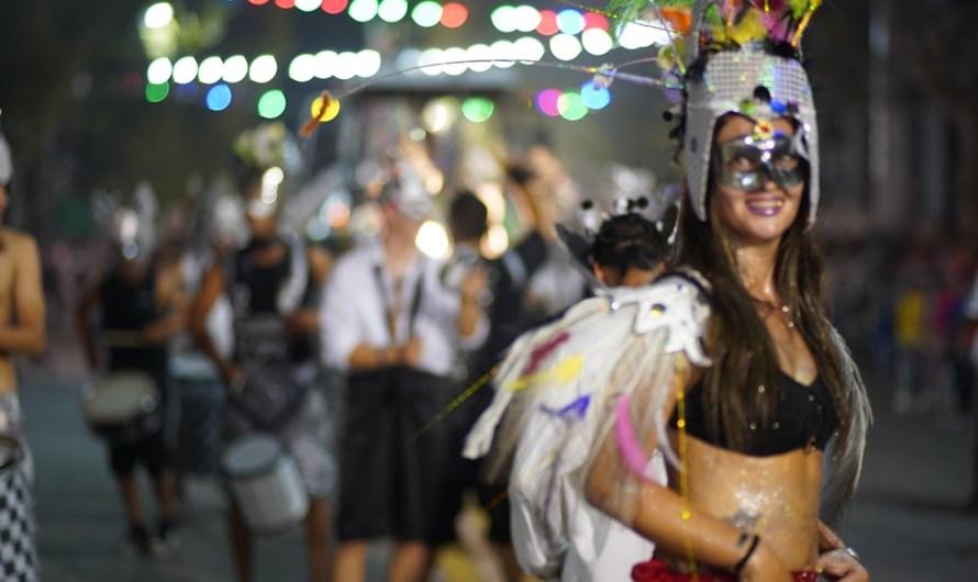 Tras un domingo multitudinario llega la última noche de carnaval