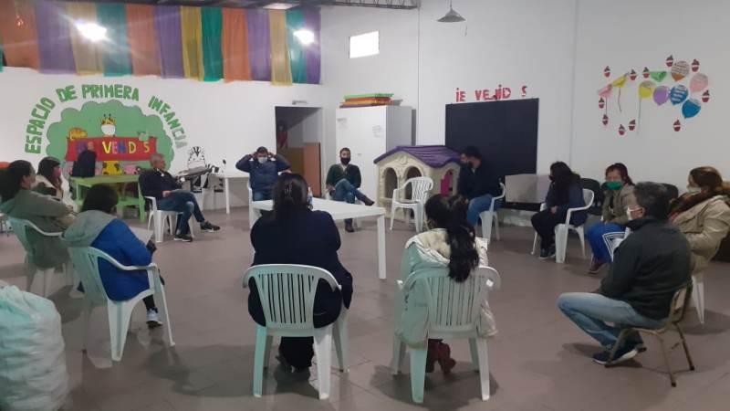 Municipio se reunió con referentes barriales  para generar comités de emergencias