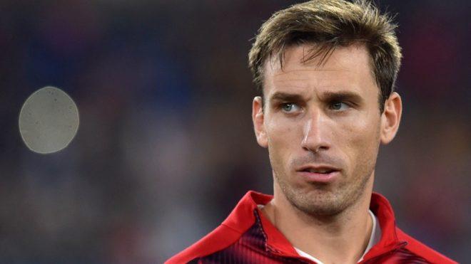 Al Anderlecht, Sevilla y Betis, se suma el Celta de Vigo y dos equipos de Qatar por Biglia