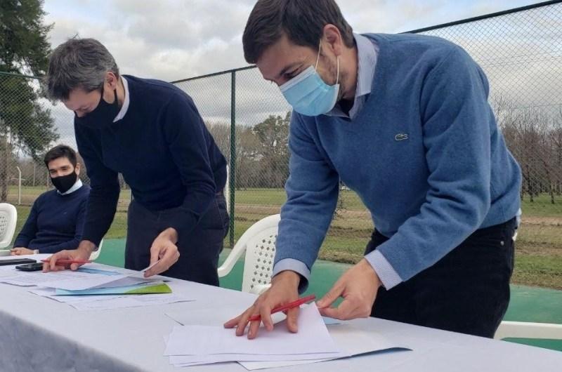 Firman acuerdo con Turismo y Deportes de Nación por obras