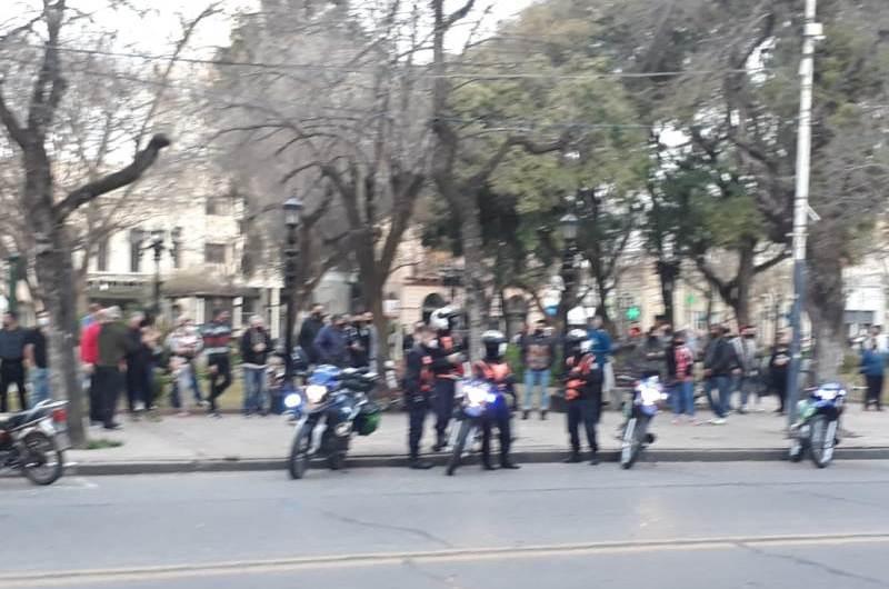 La policía de Mercedes se sumó a la protesta provincial