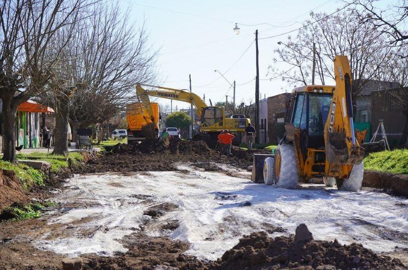 Obras Públicas: pavimentación, bacheo y el llamado a licitación para el Hospital Odontológico