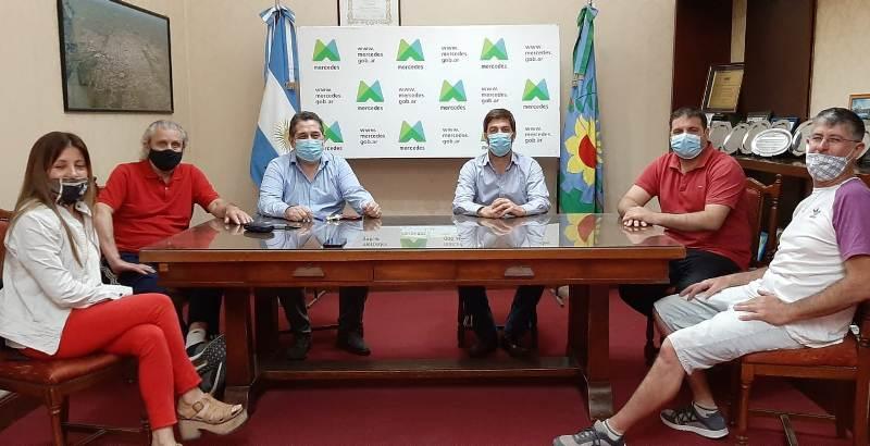 Acordaron bono de 6 mil pesos para los trabajadores municipales