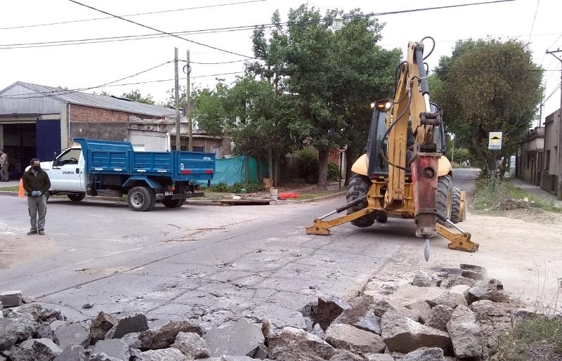 Obras en el barrio La Amistad: pavimentan la calle 12