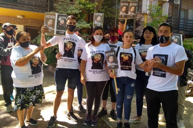Familiares y amigos de Jesús Miranda pidieron justicia ante la Fiscalía