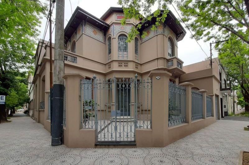 La ex Casa del Doctor Garcerón: Refacción completa de su fachada
