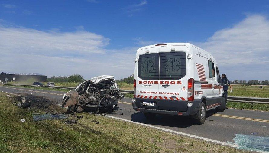 Una persona fallecida y cuatro heridos en un impactante accidente en ruta 5
