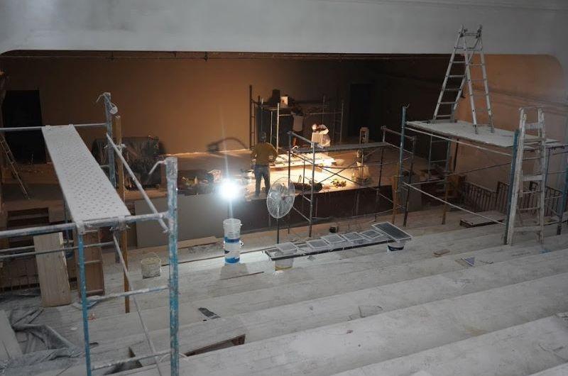 Avanzan las obras en el teatro municipal