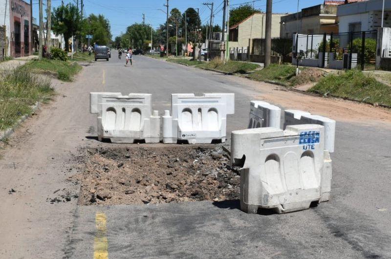 El plan de bacheo se concreta en la calle 10 desde 49 a 55