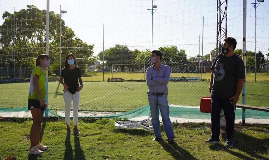 Municipio entrega subsidio para obras e infraestructura al Club Defensores