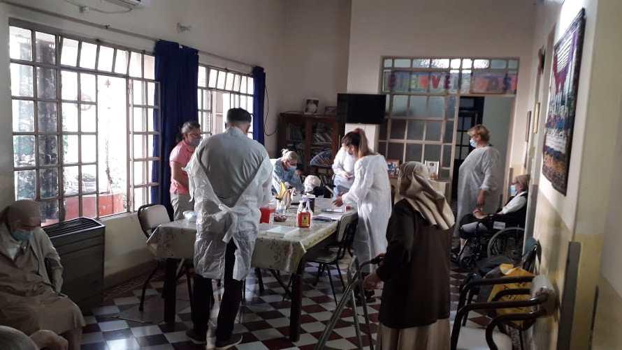 Se llevó a cabo una nueva jornada de vacunación a adultos mayores